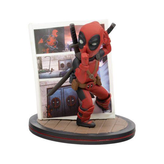 Q-Fig-Deadpool-4D_2
