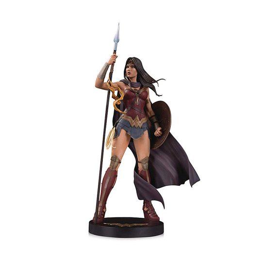 WonderWoman-Statue
